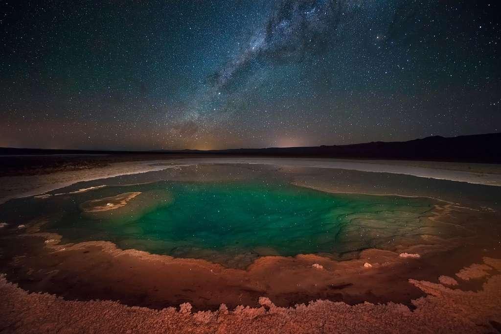 Une lagune cachée à la nouvelle lune