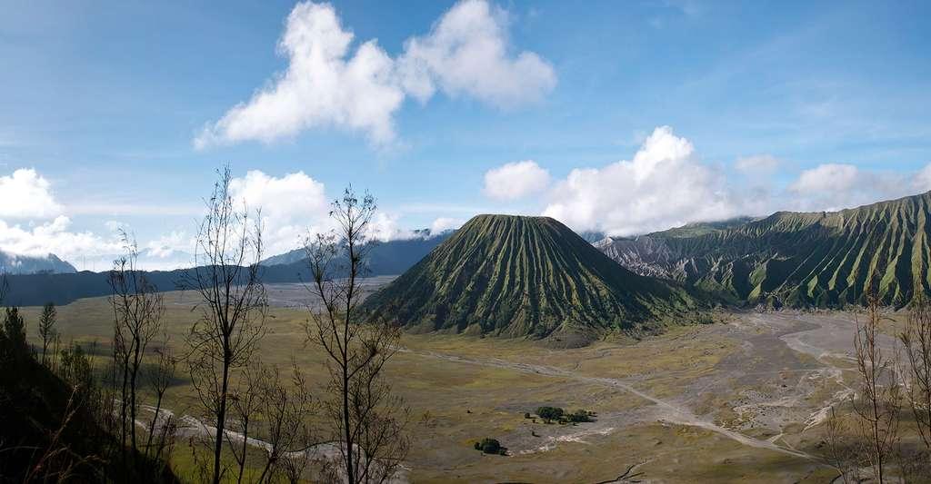 Mont Bromo volcan actif du Massif du Tengger Indonesia. © Hector Sevillano, CC By 2.0