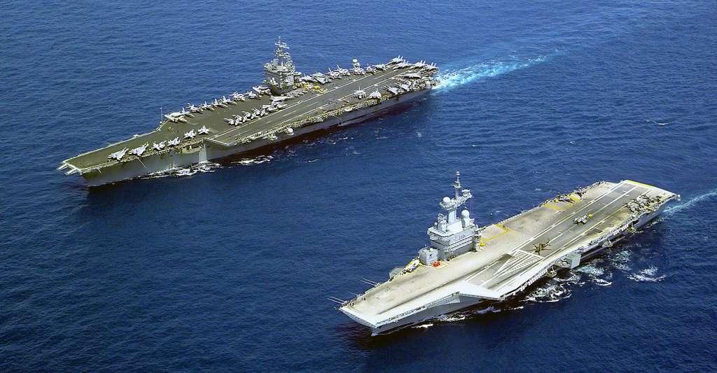 Le U.S. Navy aircraft carrier USS Enterprise (CVN-65). © Mate Airman Doug Pearlman - Domaine public