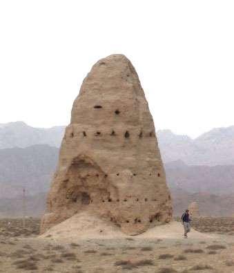 Pagode dans le désert. © DR