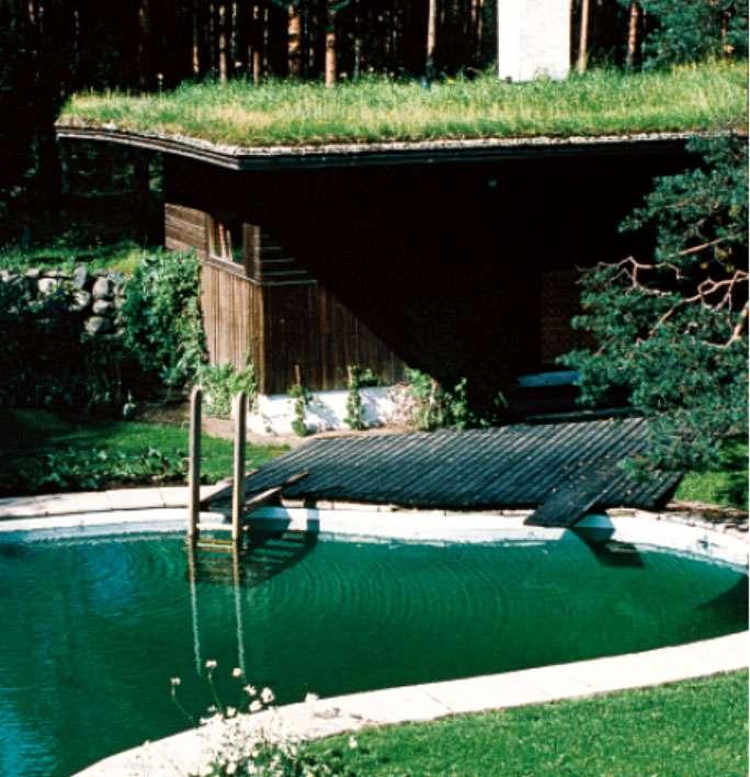 Le sauna de la villa Mairea (1937-1940), en Finlande, d'Alvar Aalto, s'inspire des salons de thé japonais et rappelle le souvenir des bâtiments finlandais traditionnels en bois. Son aspect primitif évoque le retour à la nature, qui fait partie de l'expérience du sauna. © J-P Kärnä, CC by-nc 3.0