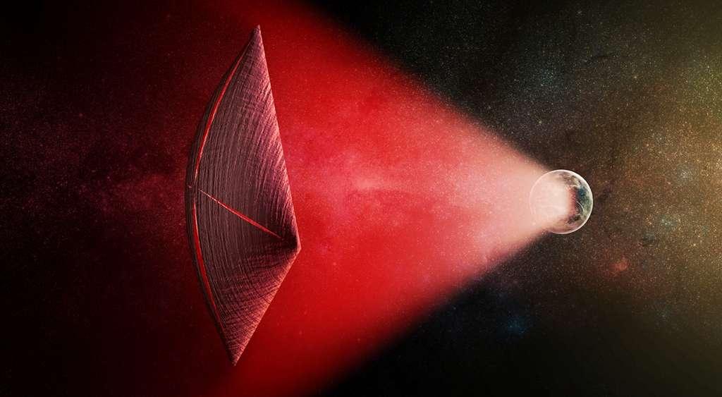 Les sursauts radio rapides viennent-ils de civilisations E.T. ? Avi Loeb a calculé que l'énergie d'une étoile comparable à celle du Soleil et qui serait recueillie par une surface deux fois plus grande que celle de la Terre (type fragment de sphère de Dyson) serait bien de l'ordre de grandeur nécessaire à propulser une voile photonique. Celle-ci laisserait alors fuir, sous forme d'ondes radio, la quantité d'énergie associée aux FRB. © M. Weiss, CfA
