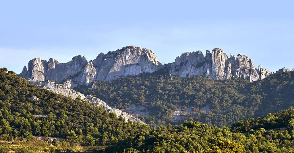 Dentelles de Montmirail. © BlueBreeze, Wikimedia commons, CC by-sa 3.0
