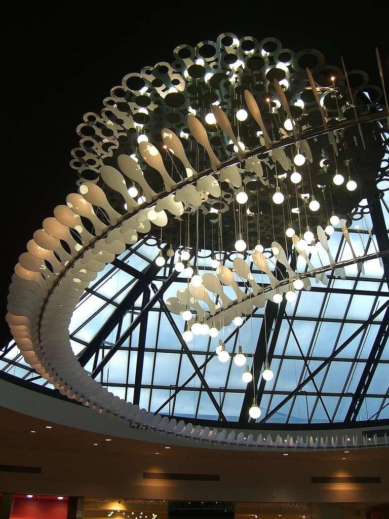 Lampe imitation dino en forme de queue de dinosaure