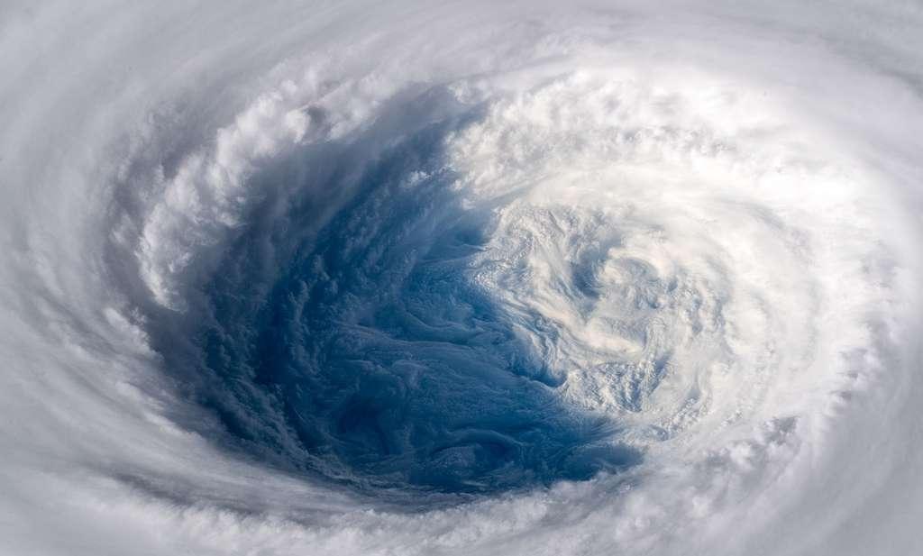 Le super-typhon Trami de catégorie 5 est inarrêtable et se dirige vers le Japon et Taïwan. © ESA, A.Gerst, wikimedia commons, CC by-sa 3.0 IGO