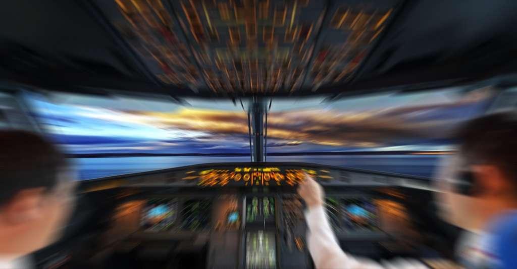 Le pilotage d'un avion nécessite d'être multitâche. Les militaires sont parfois sous pression, dans des situations où ils reçoivent une avalanche d'informations. © hxdyl, Shutterstock
