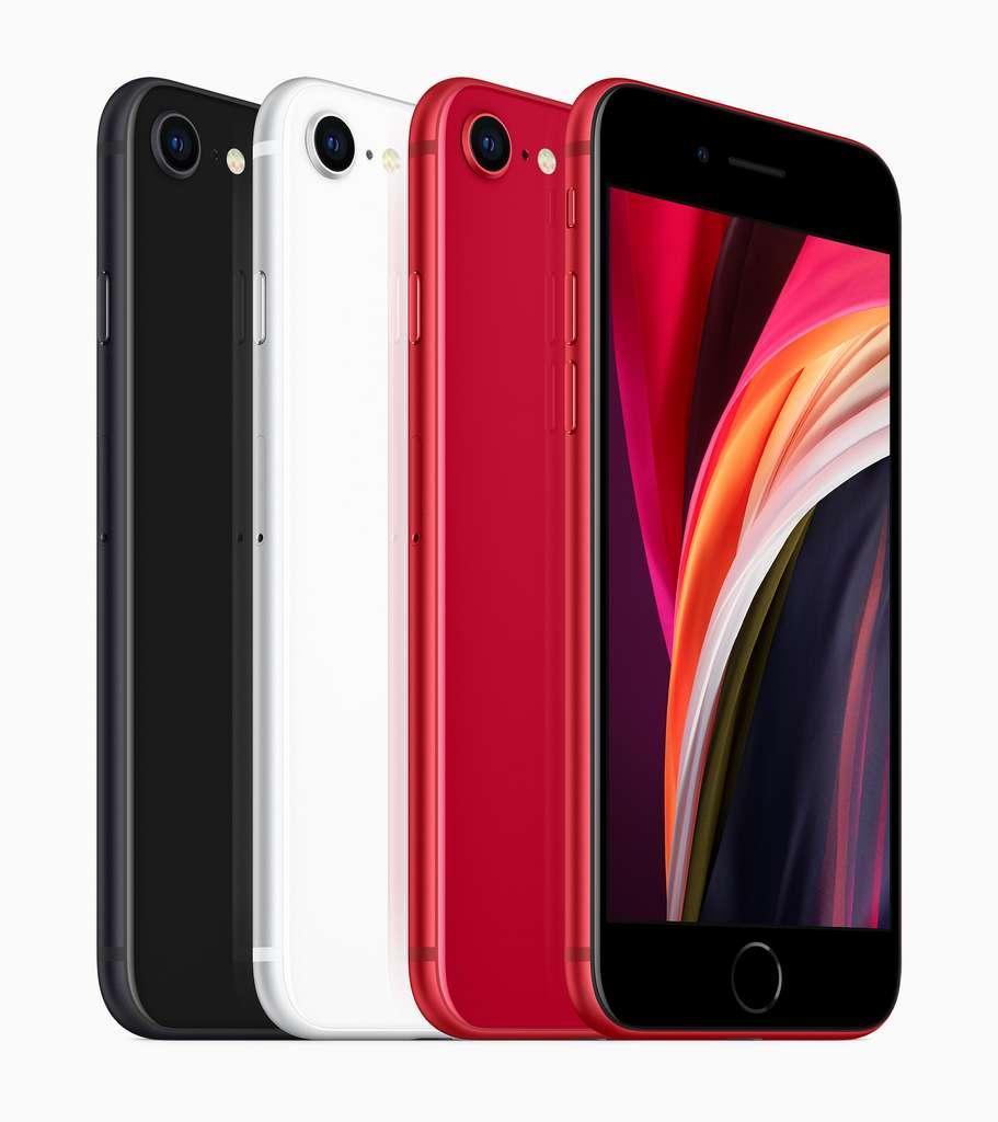 L'iPhone SE est proposé en quatre couleurs avec un point commun : une façade noire © Apple