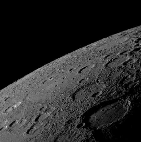 Cliquez pour agrandir. La surface de Mercure vue par la sonde Messenger. Crédit : Nasa