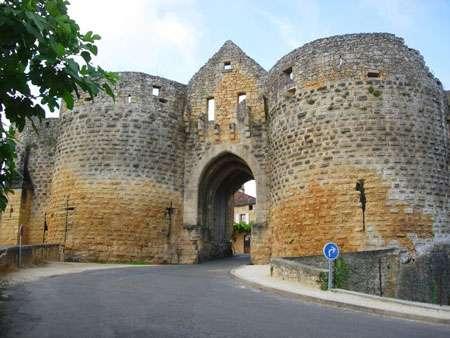 La porte des Tours, à Domme. © Luc Viatour, GFDL