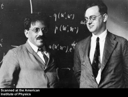 """Paul Ehrenfest et Pascual Jordan. Ehrenfest n'acceptera jamais l'image """"irrationnel"""" du monde fournie par la mécanique quantique. Il finira d'ailleurs par se suicider en partie à cause de cela. Pascual Jordan se fera connaître par ses travaux sur la mécanique quantique et notamment la quantification du rayonnement libre introduisant les photons d'Einstein comme des excitations quantiques du champ de Maxwell. On lui doit aussi des travaux en relativité générale. Ses sympathies pour le nazisme terniront ultérieurement son image dans la communauté scientifique."""
