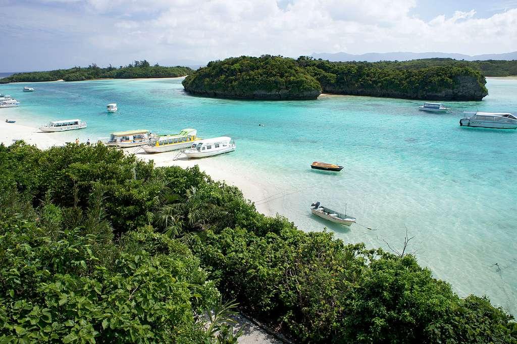 Kabira Bay, sur l'île d'Ishigaki, la plus grande de l'archipel des Yaeyama. © 663Highland, CC by-sa 3.0