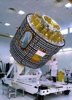 Depuis 1977, 7 satellites de première génération ont été lancés, relayés par 2 satellites MSG, Météosat-8 (août 2002), puis Météosat-9 (décembre 2005). Les lancements des satellites MSG-3 et MSG-4 sont prévus respectivement en 2011 et 2013. Ils ont tous été construits par Thales Alenia Space. A l'image, un satellite Météosat de première génération. © Esa