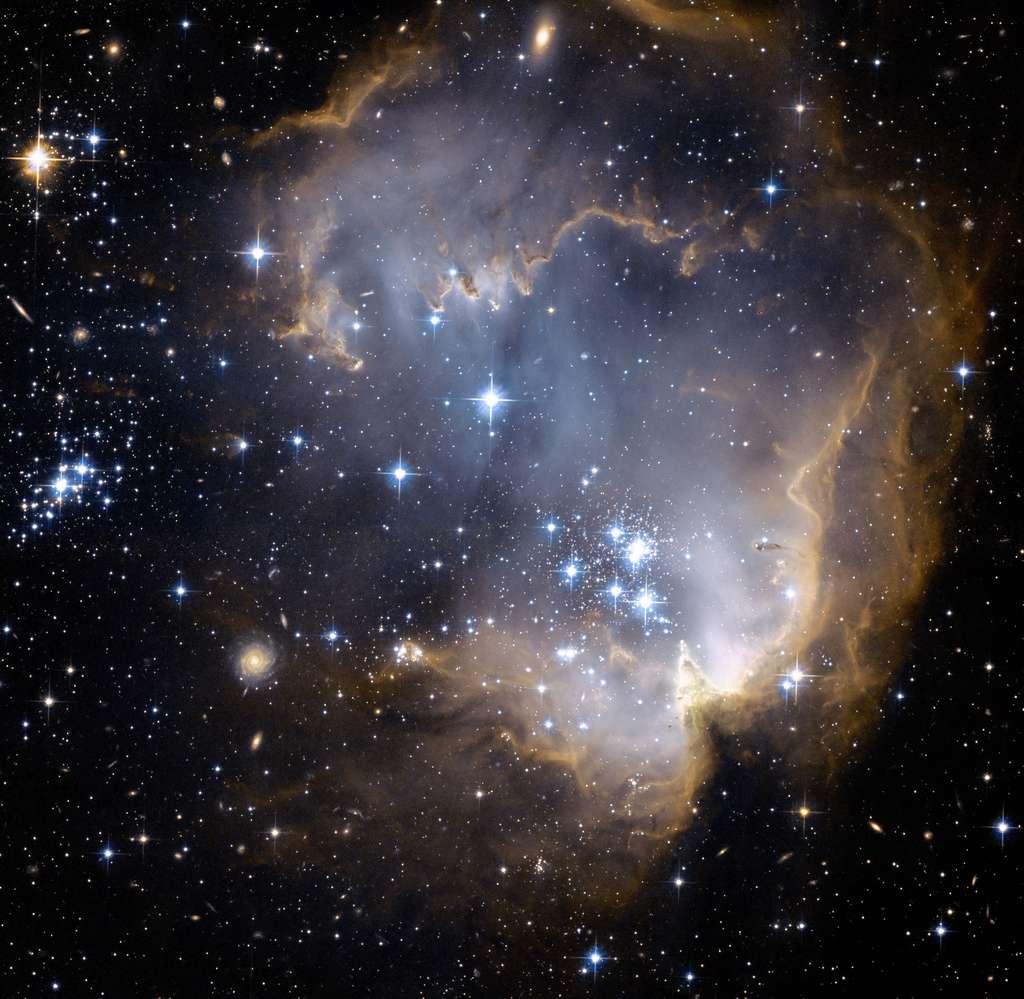 Lors du Big Bang, les protons, neutrons et électrons se sont combinés pour former les atomes simples. © Seven Portraits nc 30