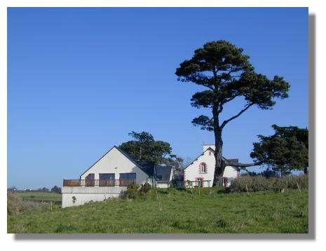 Vue de la Maison de la Baie, le centre d'accueil de la réserve. © Photo : Yannick Cherel.