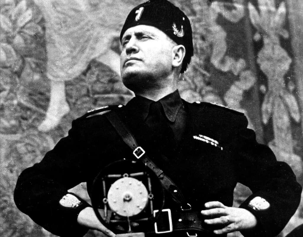 Benito Mussolini, nommé Premier ministre en 1922, a été le chef de file du fascisme italien. © Rue des Archives/RDA
