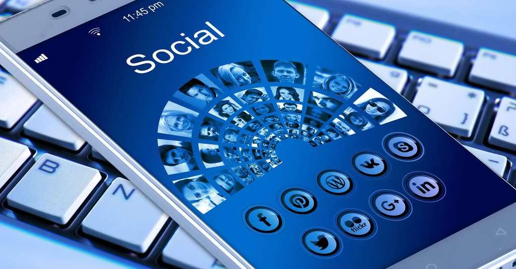 Smartphone un objet technologique fascinant. © Geralt - Domaine public