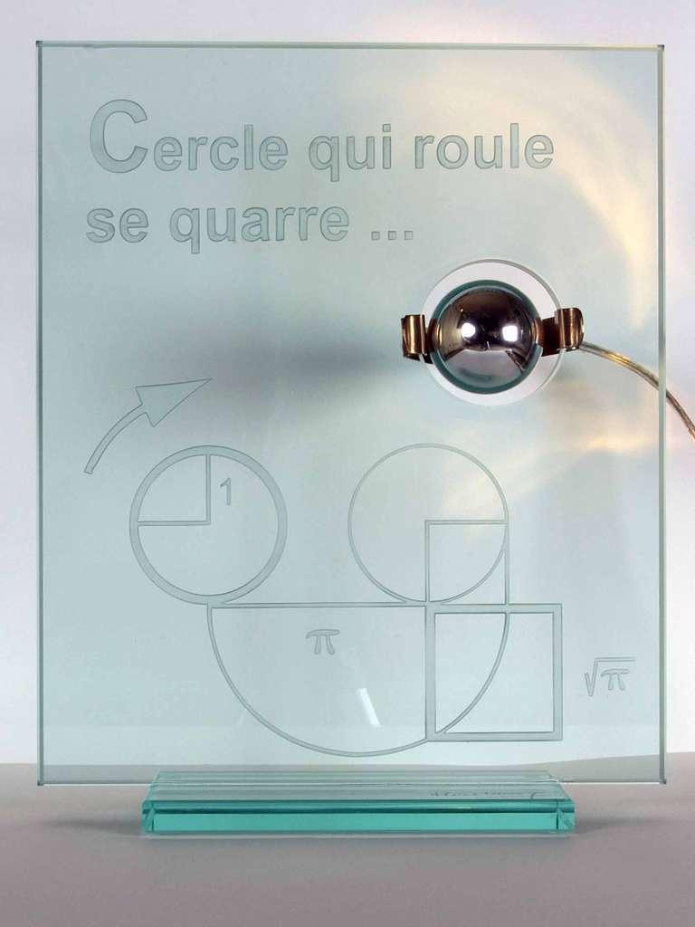 Lampe quadrature créée par Hervé Lehning. © Tous droits réservés