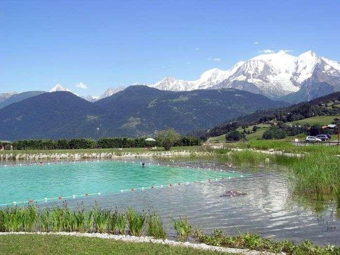 La piscine naturelle de la ville de Combloux. © DR