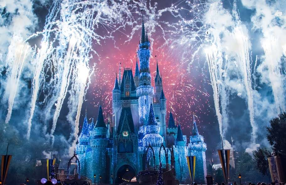 Feu d'artifice pour Noël, au Walt Disney World Resort, en Floride
