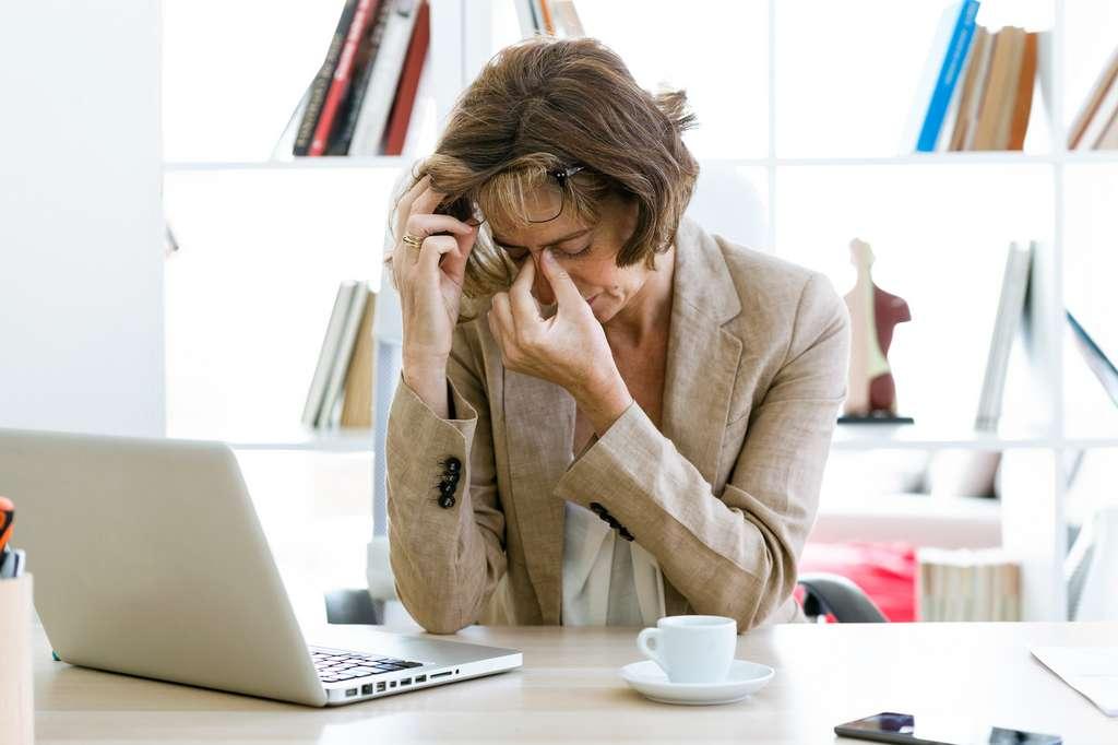 Les migraines de la gueule de bois sont le résultat d'une déshydratation du corps suite à l'ingestion d'alcool. © nenetus, Fotolia