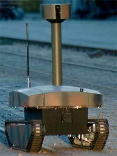 Le robot vigile OFRO est le grand frère de MOSRO Il est dédié à la surveillance des espaces extérieurs (Crédits : Robowatch Technologies)