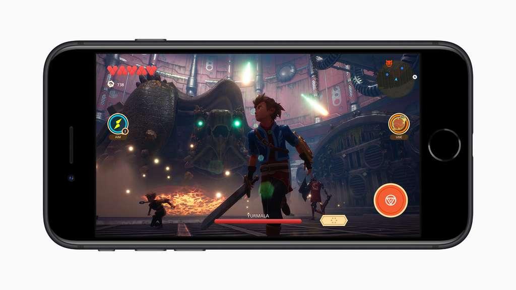 La puce A13 permet de jouer aux jeux les plus puissants du moment... mais sur un écran plus petit. © Apple