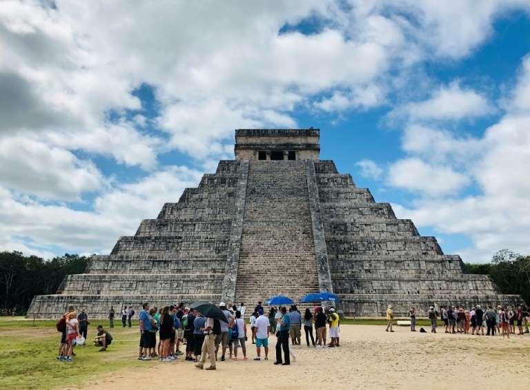 Des vestiges oubliés et redécouverts dans une grotte située sur le site maya de Chichen Itza, dans le Yucatan, au Mexique. Ici, la pyramide maya Kukulcan. © Daniel Slim - AFP/archives