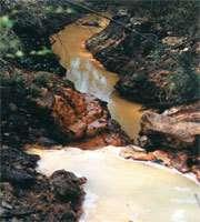 Eau pollué par l'arsenic Crédit : http://www.cnrs.fr