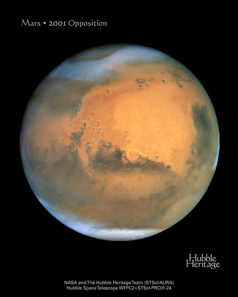 Mars photographiée par Hubble à l'occasion de son opposition de 2001. © Jim Bell (Cornell) et al., Hubble Heritage Team (Aura/STScI/Nasa)