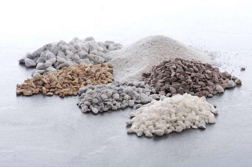 La diversité géologique du sous-sol français permet d'obtenir des granulats de toutes densités, tailles et couleurs. © Infociments