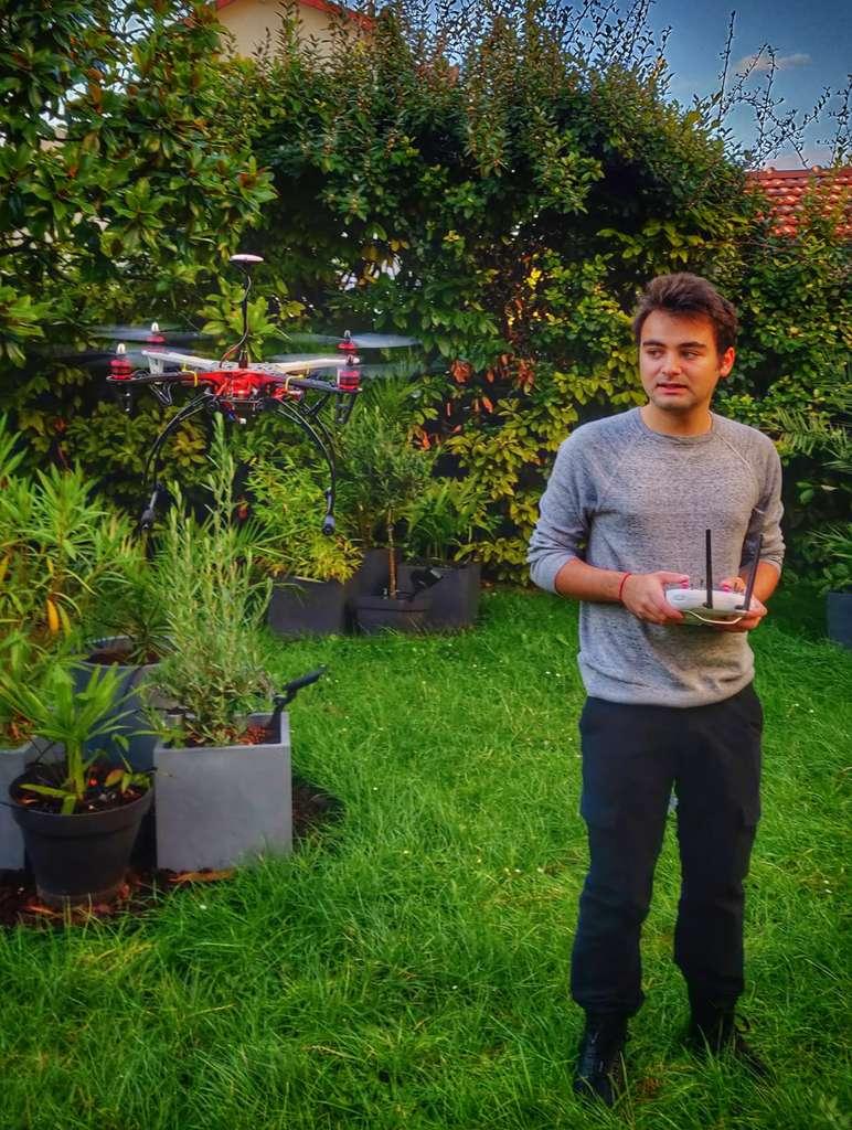 Un des nombreux drones construits par David. © David Boccara