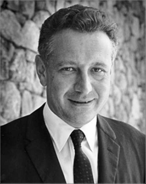 Le physicien Rolf Landauer (1927–1999) est célèbre pour avoir dit : « L'information est physique ». © AIP Emilio Segrè Visual Archives