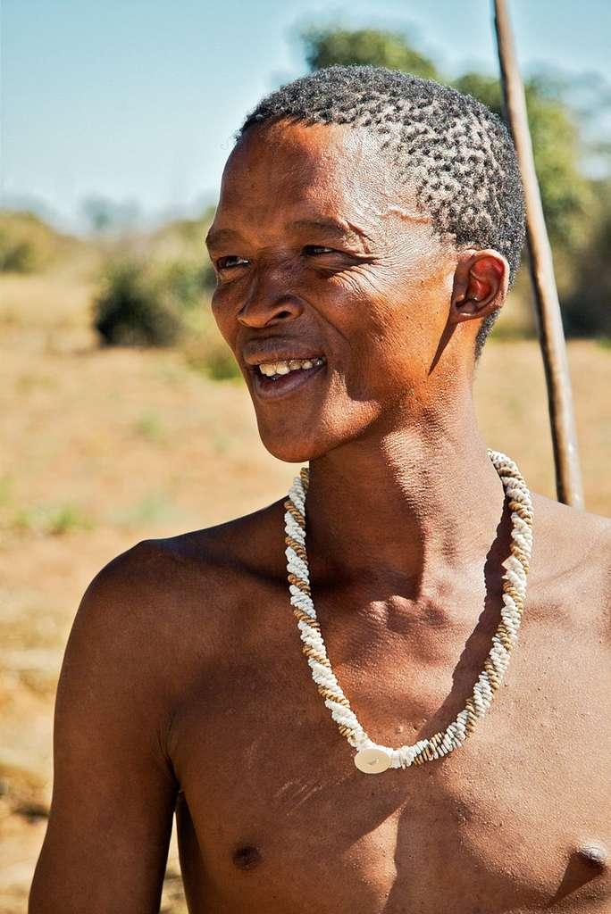 Les membres de la tribu San vivent en Afrique australe, comme au Botswana. © Ian Beatty, Wikipedia, CC BY-SA 2.0