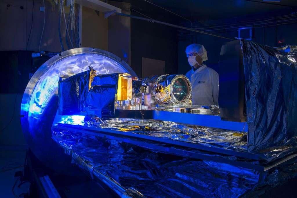 Le spectropolarimètre Spirou, avant fermeture de son enceinte cryogénique. © Sébastien Chastanet, CNRS / OMP