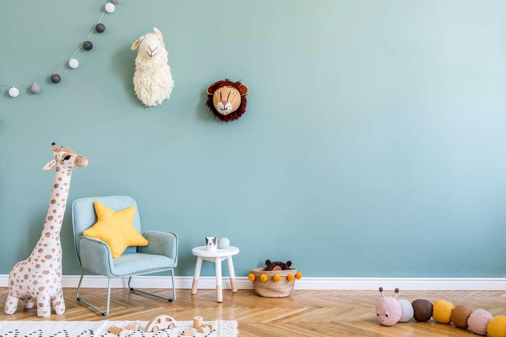 Dans les chambres d'enfant, misez sur une finition mate ou veloutée. © FollowTheFlow, Adobe Stock