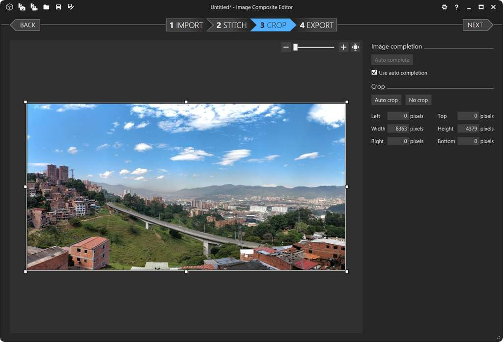 Panorama après auto-remplissage. © Image Composite Editor