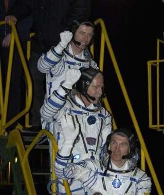 L'équipage Expédition 11 (crédit : ESA-S. CORVAJA)