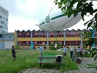 Le prototype s'élève au-dessus du campus de l'université. © Université technique de Chemnitz