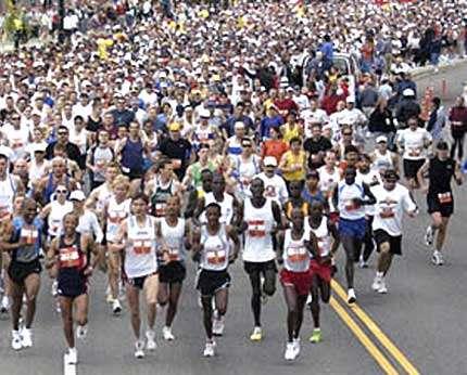 Le ravitaillement est une étape importante au cours de la course à pieds.