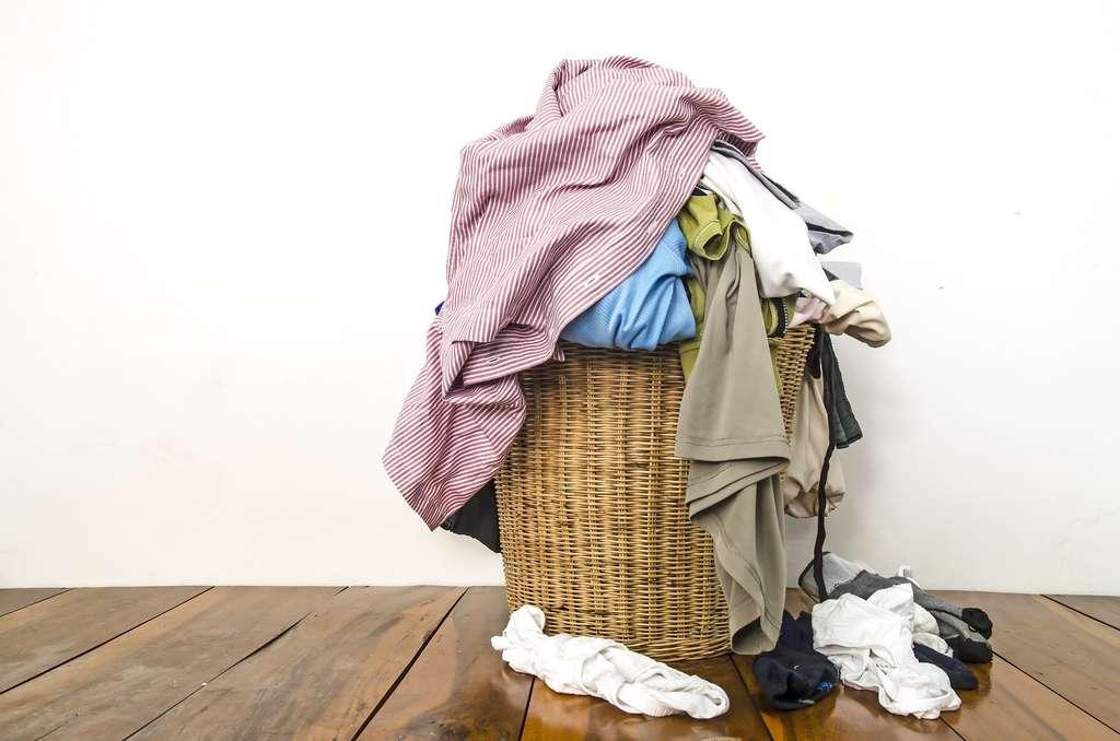 Le risque de perdre des chaussettes est lié au nombre de personnes du foyer, au nombre de lavages différents et à l'attention qui est prêtée aux lessives. © Iamnao, Shutterstock
