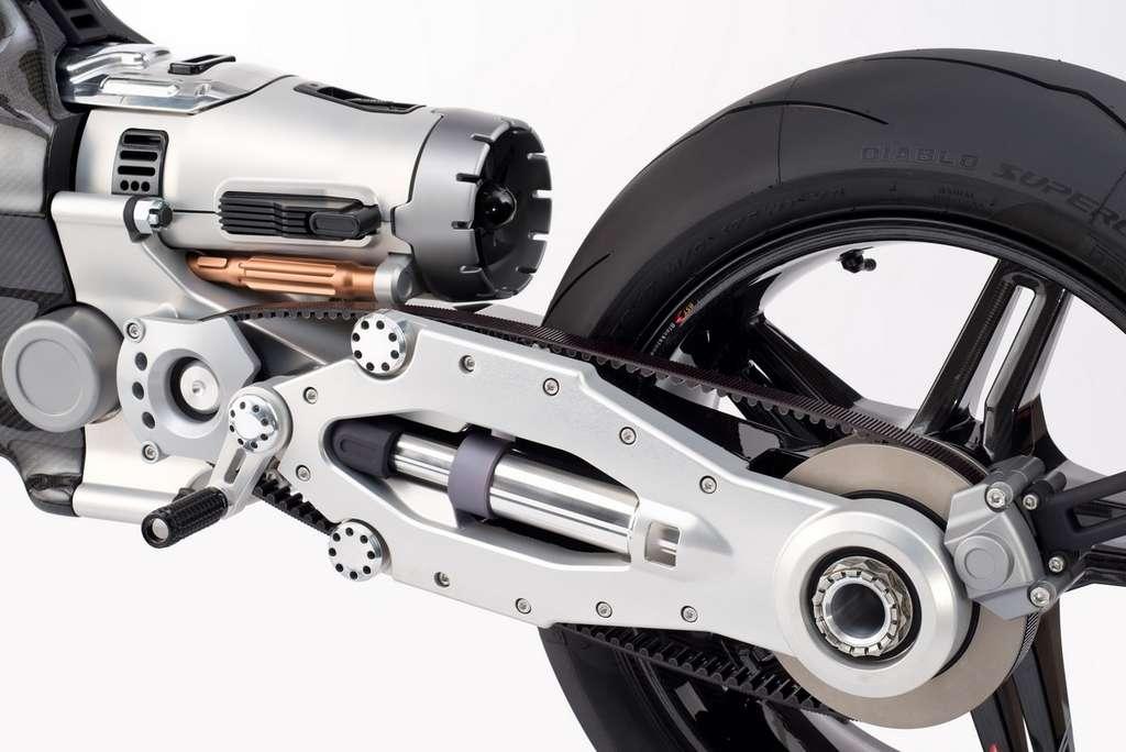 L'HyperTek utilise un châssis mono bras avec entraînement de la roue par courroie. © Blackstone Tek