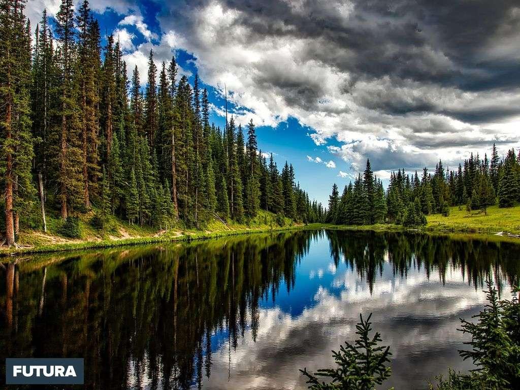 Lac Irène dans les Rocheuses au Colorado par temps d'orage