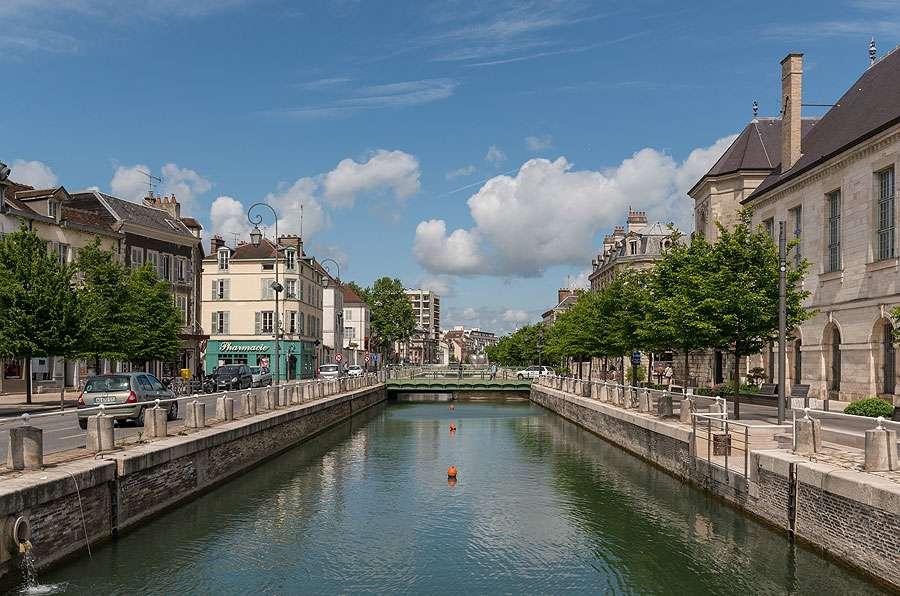 Le canal du Trévois à Troyes. © DXR, Wikimedia commons, CC by-sa 4.0