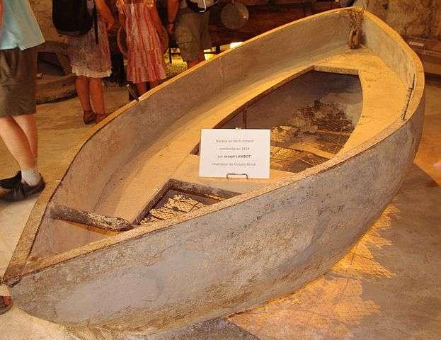 La barque de Joseph Lambot, réalisée en 1849, est considérée comme la première structure en béton armé de l'histoire. © Jorune, Wikimedia Commons, CC by-sa 3.0