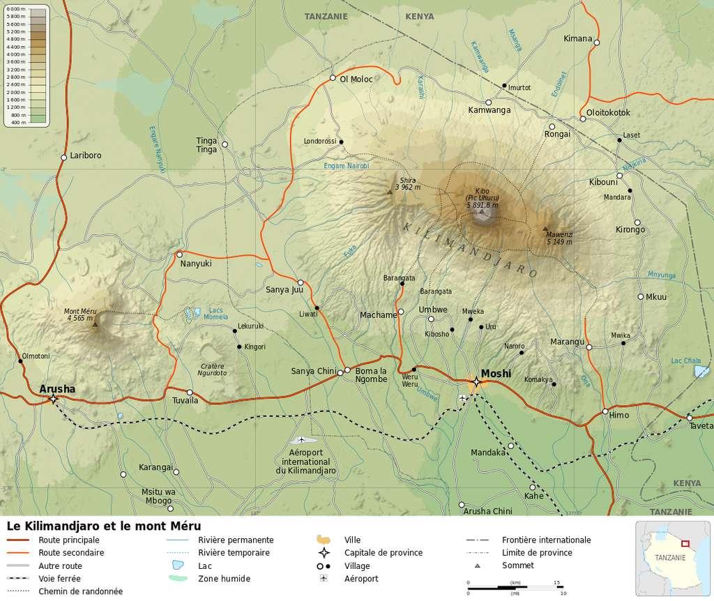 Le Kilimandjaro se compose de trois volcans éteints : le Shira, le Mawenzi et le Kibo. © Sémhur, Wikimedia Commons, CC By-SA 3.0