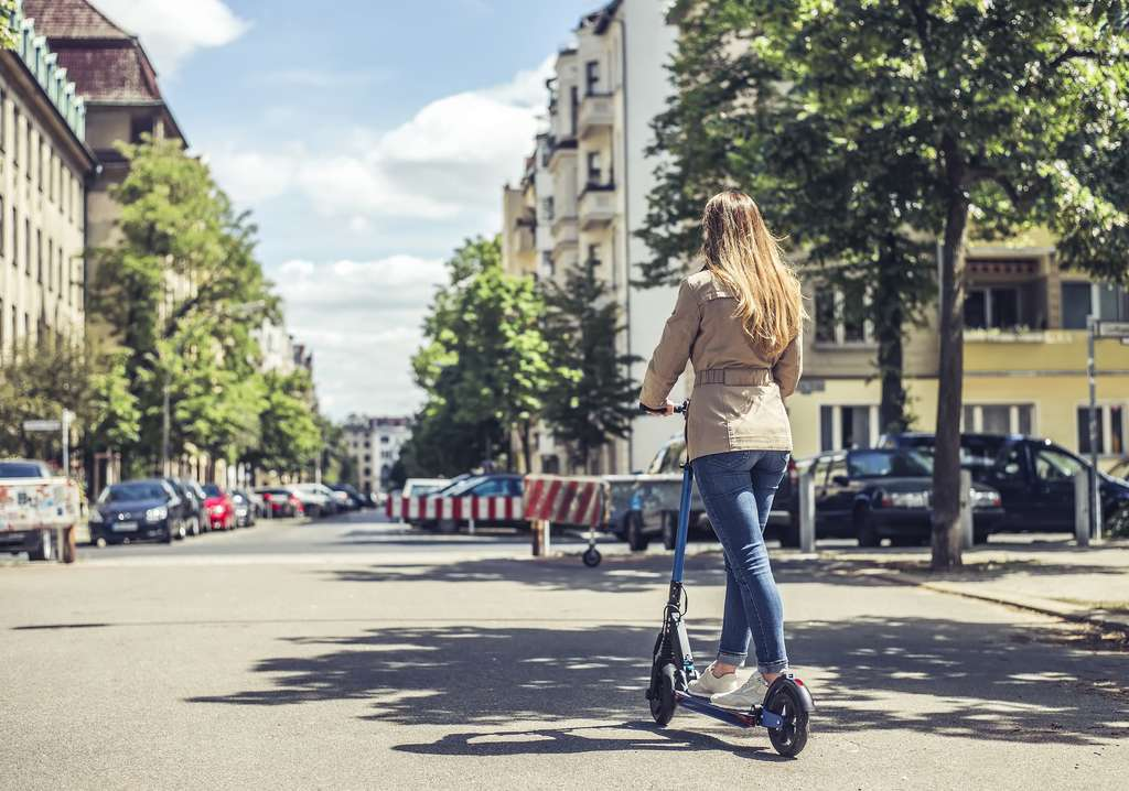 Le mode de conduite influe sur l'autonomie de la trottinette électrique. © Luna, Adobe Stock