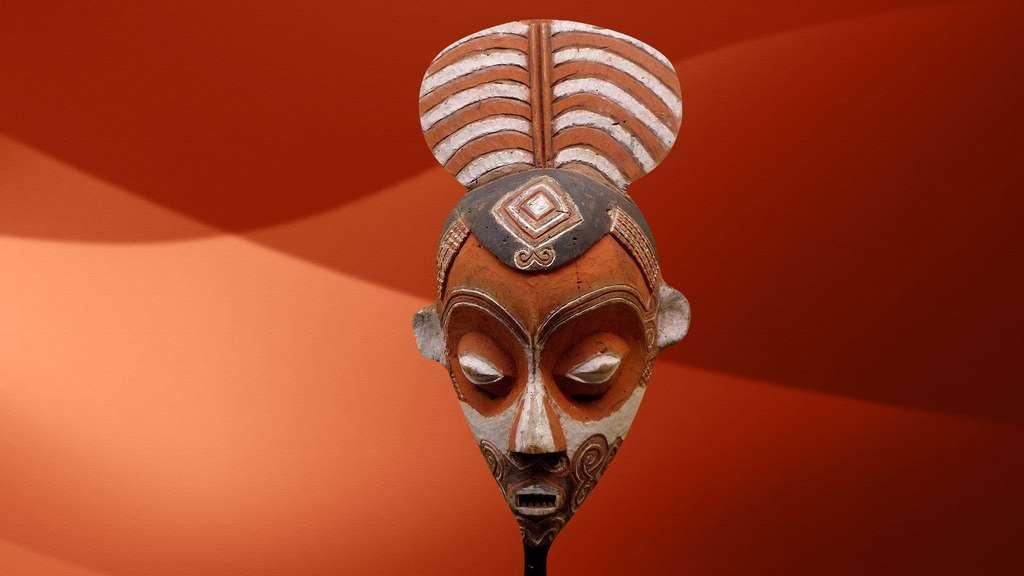 Masque luluwa d'Afrique centrale