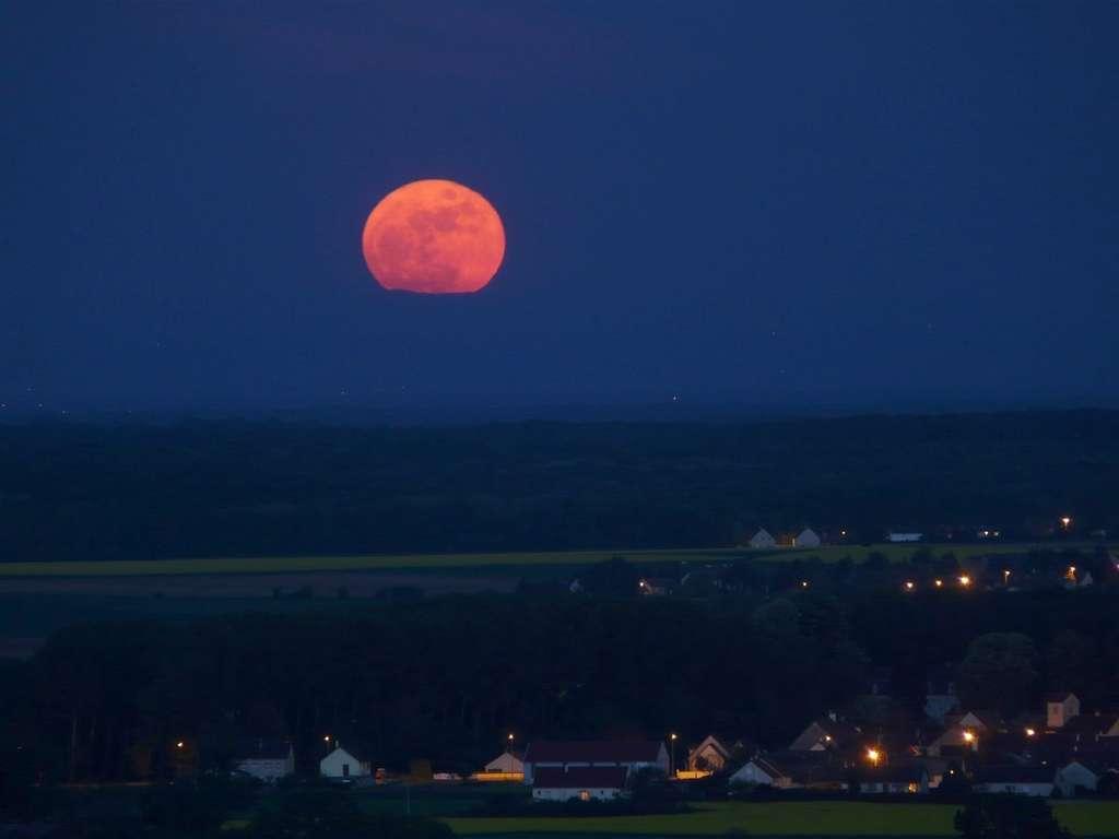 Pleine Lune bourguignonne. © J.-B. Feldmann