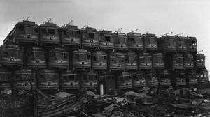 Des tramways à la casse. En Californie, en 1956, des rames de la Pacific Electric Railway sont abandonnées. L'automobile a gagné... © Licence Commons