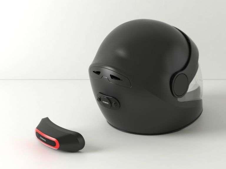 Cosmo Connected est le premier feu arrière de freinage connecté pour motard. © Cosmo Connected